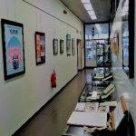 Couloir menant aux AML, où sont rassemblés plusieurs documents datant de l'enfance de Willems à Missembourg